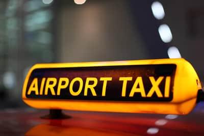 De voordelen van taxivervoer naar de luchthaven